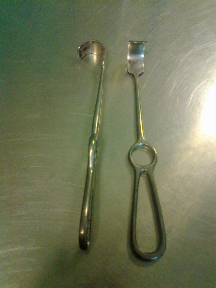 London hospital retractor